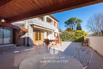 Villa 5 pièces 272 m2
