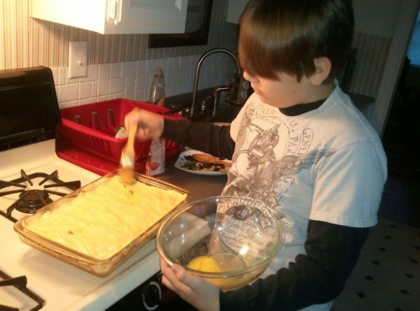 In a glass casserole dish sprayed with cooking spray, spread 1 c. crescent roll....