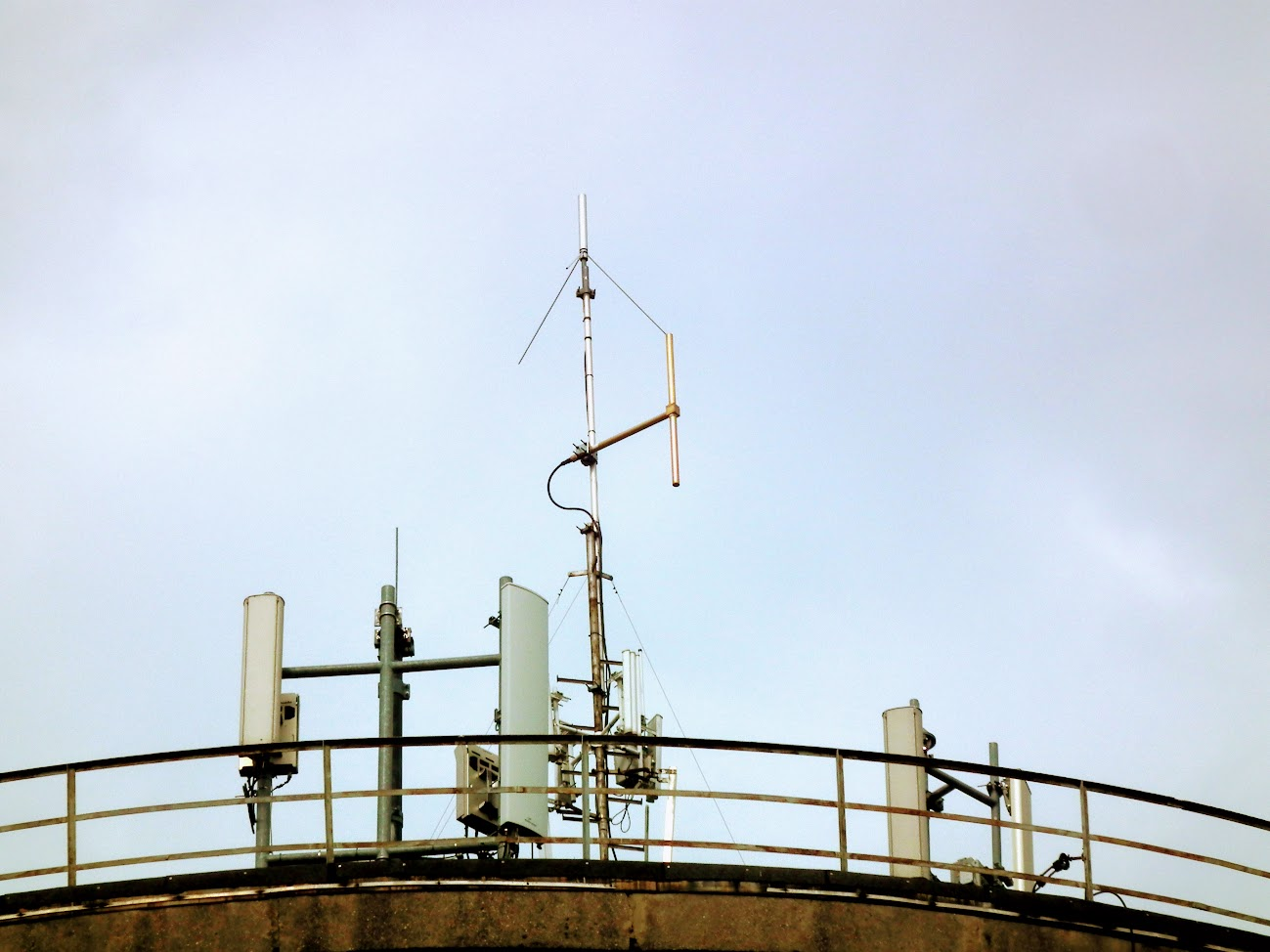 Karcag/víztorony - helyi URH-FM adóállomás