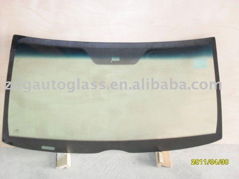 AUTO GLASS / Pare brise en verre / MERCEDES C280/W202