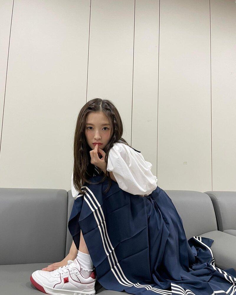 jenniearinwonyoung_5