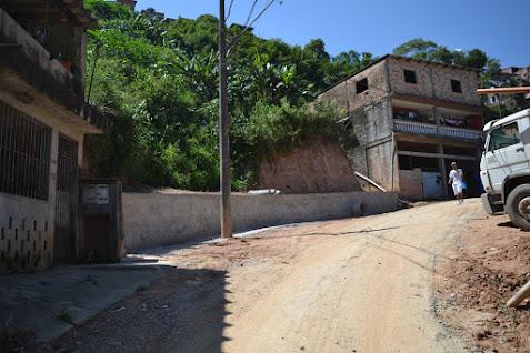 Prefeitura implanta rede de esgoto e drenagem na Chácara Maria Alice