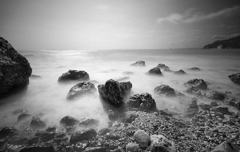 wet rocks di Paolo Zanoni