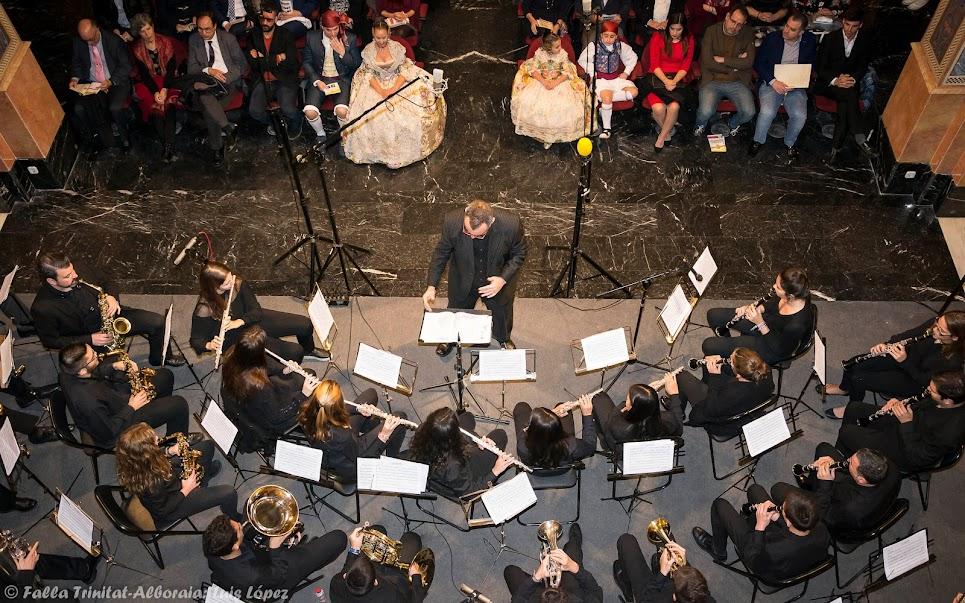 La relación entre las bandas de música y las fallas a debate en una mesa redonda organizada