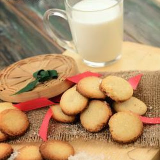 Crispy Coconut Cookies.