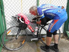 Photo: Transatlantyk kombinuje przy moim rowerze ;)