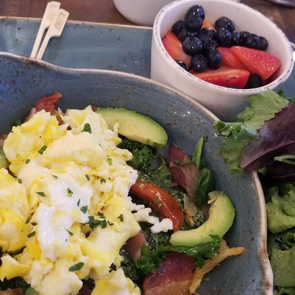 Farmer's Market skillet hash with kale instead of potaotes, salad instead of toast & berries