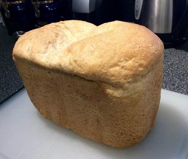 Enid's Buttermilk Oatmeal Bread (breadmaker) Recipe