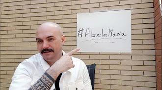 El diseñador almeriense Sergi Regal lanza la campaña solidaria \'Abuela María\'.