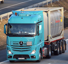 Photo: NEW ACTROS   ----->   just take a look and enjoy www.truck-pics.eu