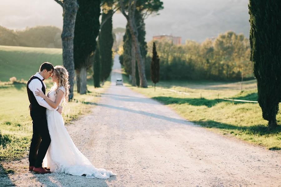 Wedding photographer Roman Pervak (Pervak). Photo of 28.12.2015