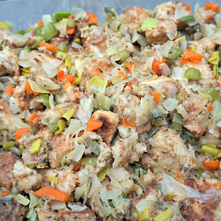 Simple Thanksgiving Stuffing