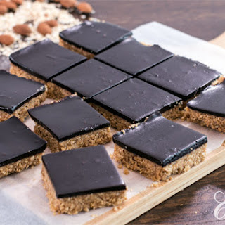 Healthy No-Bake Chocolate Peanut Butter Oat Bars
