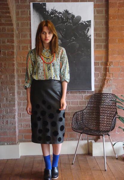 Photo: https://marketplace.asos.com/listing/skirts/1980s-valentino-leather-pencil-skirt/340946