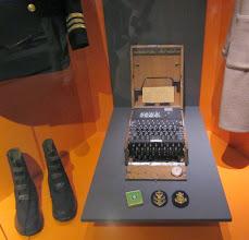 Photo: Enigma salakirjoituslaite