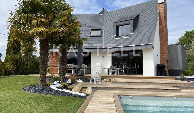 House with pool and terrace Saint-Aubin-du-Cormier