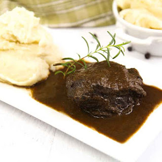 ITALIAN BEEF CHEEKS STEW braised in red wine