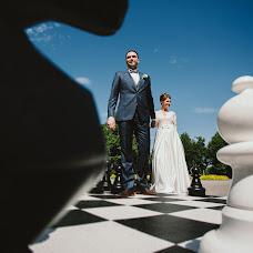 Wedding photographer Anton Serzhantov (BEBESIDE). Photo of 04.06.2018