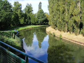 Photo: Now headed out of town on the canal-side path to the neighboring village of Mareuil-sur-Ourcq.