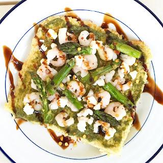 Walnut Pesto & Shrimp Cauliflower Crust Flatbread {WIAW}