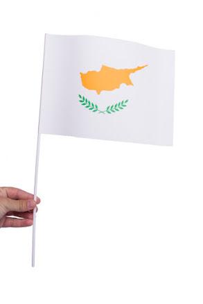 Pappersflagga, Cypern