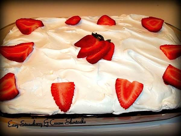 Easy Strawberries & Cream Shortcake Recipe