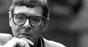 Nacido en Orense en 1929, José Ángel Valente fue uno de los intelectuales españoles más importantes de la segunda mitad del siglo XX.