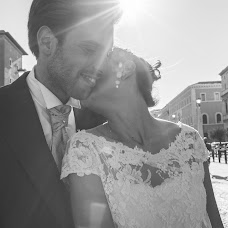 Wedding photographer Emanuele Guadagno (inbiancoenero). Photo of 19.04.2017