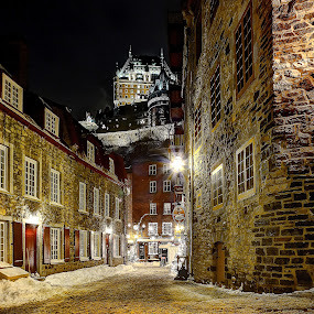 by Clermont Poliquin - City,  Street & Park  Historic Districts ( night lights, pwc83: night light )