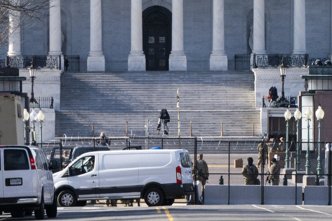 Heavily armed man arrested at Washington security checkpoint