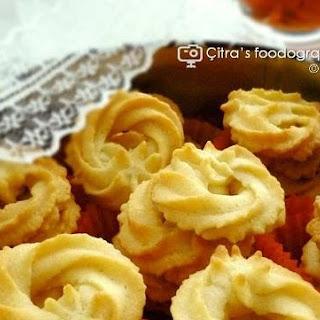 Klassiske Vaniljekranse / Danish Butter Cookies.