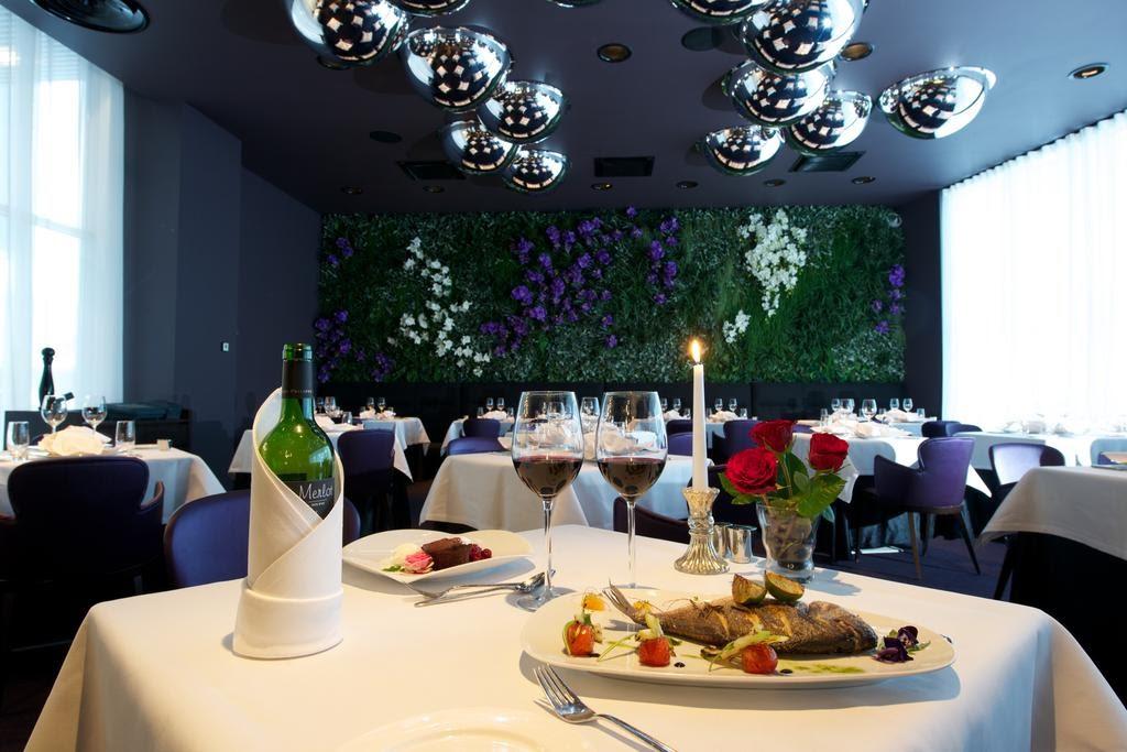 Ресторан при отеле Аква