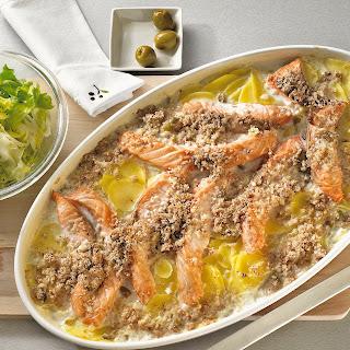 Lachs-Kartoffel-Gratin mit Olivenkruste