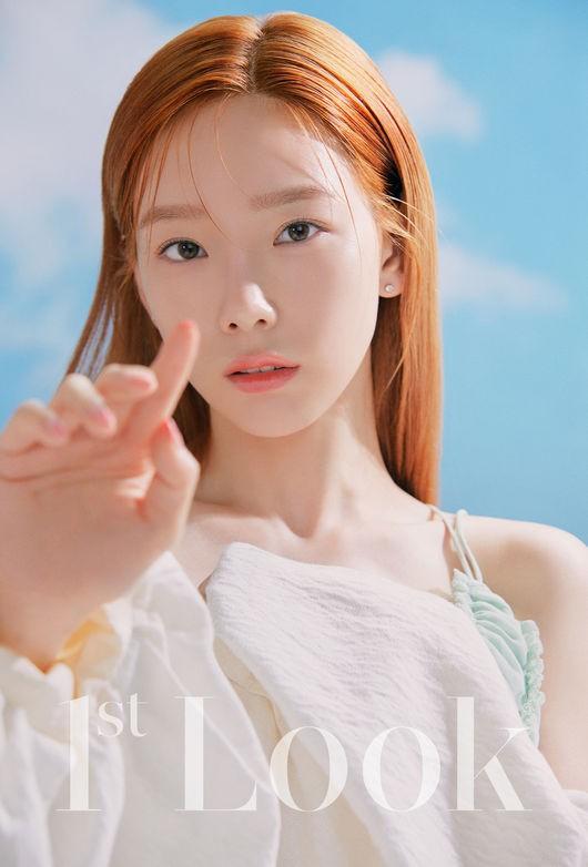 taeyeon 1stlook 3