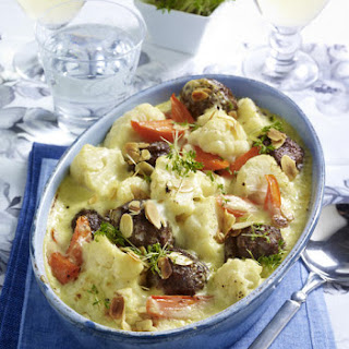 Hearty Vegetable Casserole with Meatballs