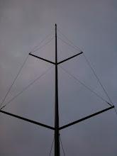 Photo: le mât Selden est en place