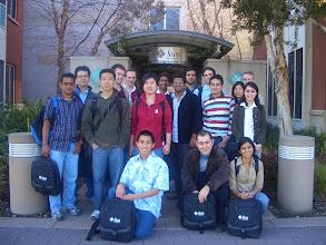 Photo: 24 Şubat 2006 - Sun gezisi, henüz batmamışlarken. Ali Özer tam önümde.