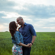 Wedding photographer Aleksandr Dikusar (Alexdi). Photo of 15.05.2013