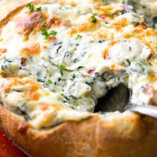 Hot Spinach and Artichoke Dip (in a bread bowl).