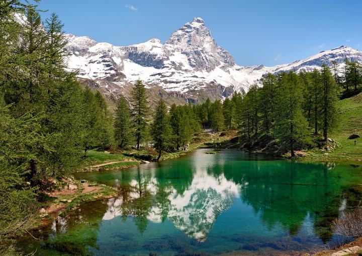Lago Blu di Salvatore Gulino