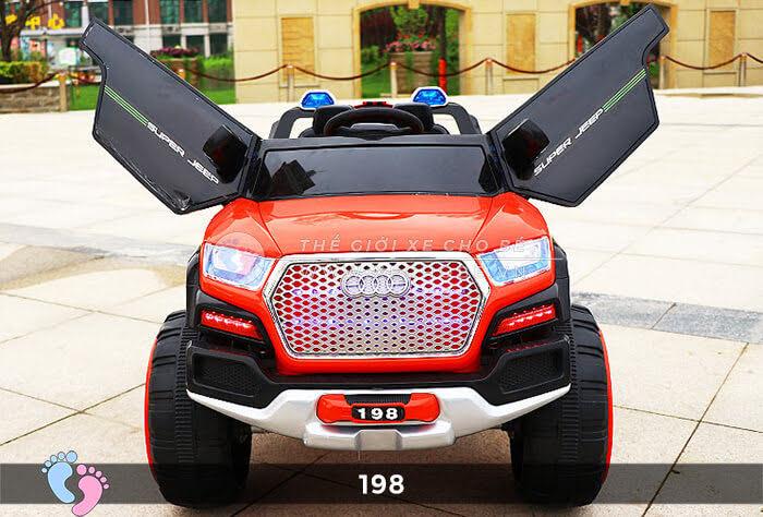 Siêu xe ô tô điện 4 động cơ 198 4