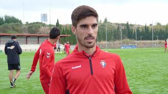 Nacho Vidal en el entrenamiento de Osasuna.