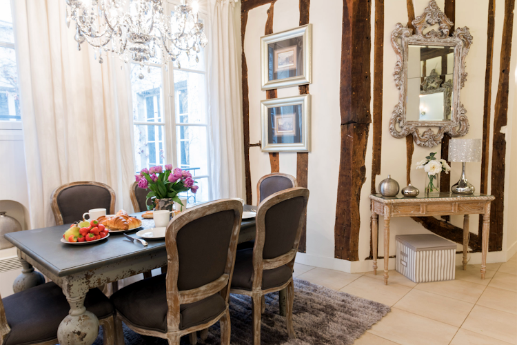 Dining space at Saint-Peray Apartment