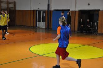 Photo: Basketbalové utkání roku 2012. Ježíšek (žlutí) 34 : Santa (modří) 23 (tělocvična školy, čtvrtek 20. prosinec 2012).