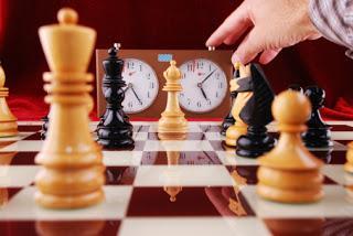 https://3.bp.blogspot.com/-3GWk0a9gPz0/WLr-TDtaDkI/AAAAAAAAFbA/hqEh2mmblhMOKa82deFPMYTebS516kdXwCLcB/s320/Chess-and-time.jpg