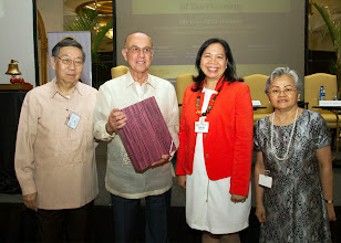 Photo: 22 August 2013 - General Monthly Meeting of FINEX. Chairman Luis Ortiz-Hidalgo receives a token of appreciation from FINEX-Philippines presented by Victor Lim, Judith Lopez and Conchita Manabat