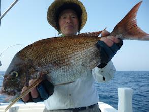Photo: 井上さんも大きい真鯛、キャッチしてますよー! 真鯛は15匹でした! あっぱれ!