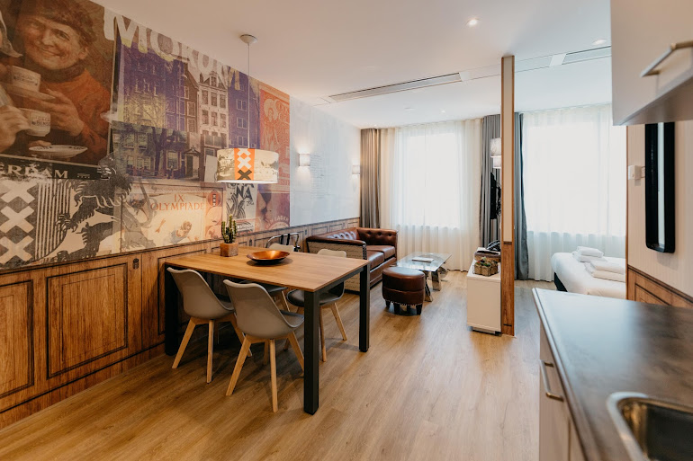 Luxury dining area at Naritaweg Serviced Apartment, Westerpark