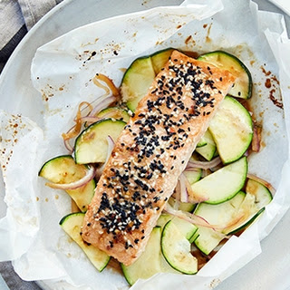 Baked Sesame-Ginger Salmon in Parchment Recipe