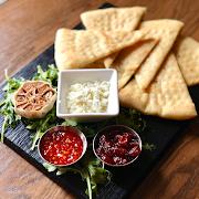 Goat Cheese & Garlic Flatbread Plate